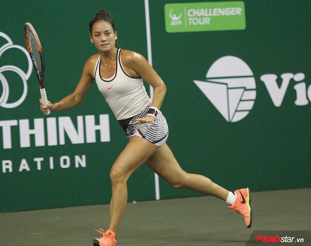 Tay vợt nữ từng xếp hạng 135 TG Alize Lim có trận đấu biểu diễn khá hay.