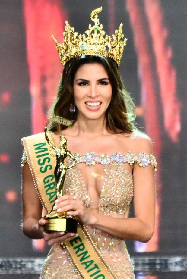 Chiến thắng của Maria Jose Lora không quá bất ngờ vì vẻ đẹp nổi trội của cô luôn được đánh giá cao trong cuộc thi. Trước đó, cô đã được rất nhiều chuyên trang sắc đẹp dự đoán sẽ giành vương miện.