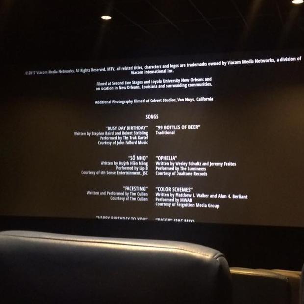 Phần credit của phim có thông tin bài hát Số nhọ.