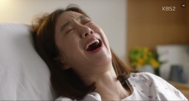 Và đây là khi Yi Deum đau khổ vì tính toán thất bại của mình.Không ai biết kế hoạch này, Yi Deum chỉ chia sẻ điều này với người xem nhưng dường như Ji Wook đã có thể đoán được chuyện gì đã xảy ra.