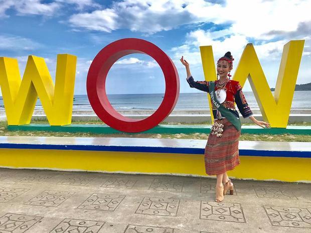 Hà Thu chia sẻ loạt ảnh tham gia hoạt động ở Manay, Philippines.