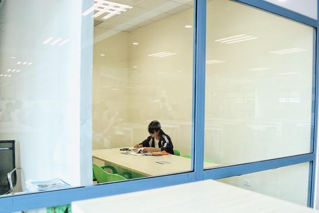 Bố trí phòng học nhóm riêng cần sự yên tĩnh cho sinh viên.