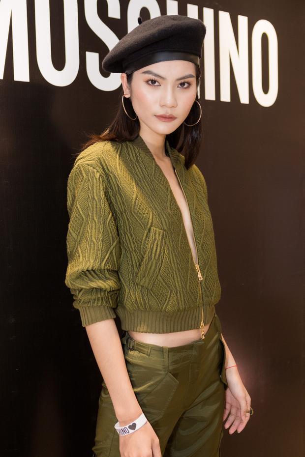 Sau khi đăng quang ngôi vị Quán quân Vietnam's Next Top Model 2017, Kim Dung đắt show sự kiện hơn trước. Hình tượng thời trang cá nhân cũng được cô chăm chút, đầu tư kỹ lưỡng.