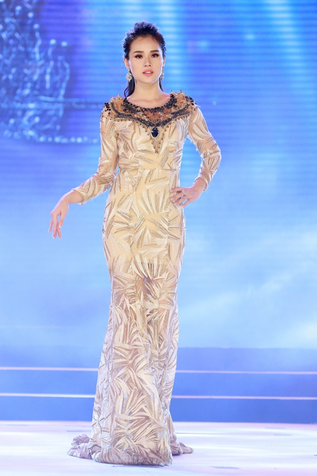 Huyền Trang: Từ thí sinh ham tiền của HHHV Việt Nam đến Top 5 Hoa hậu Đại dương 2017