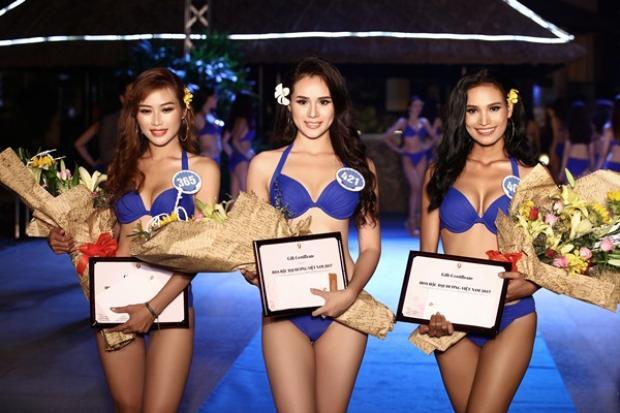 Huyền Trang cùng H'Ăng Niê và Công Thị Hằng Nga trở thành 3 người đẹp trình diễn bikini đẹp nhất của Hoa hậu Đại Dương Việt Nam 2017.