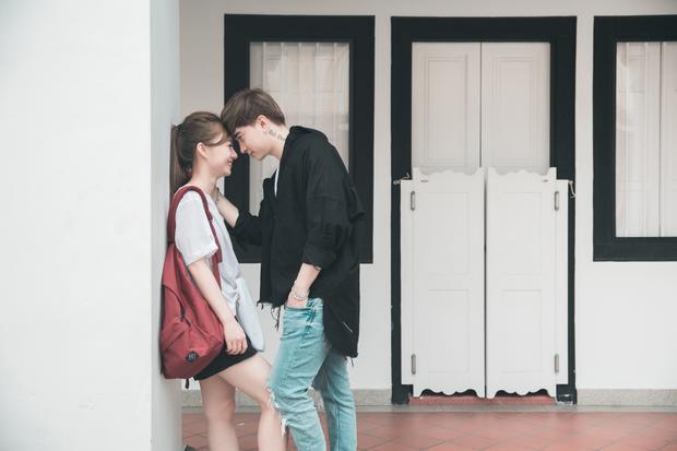 Hậu lọt top đề cử MAMA 2017, Chi Dân tung MV mới quay tại Singapore
