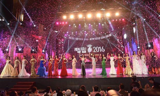 Sân khấu choáng ngợp của chung khảo phía Nam - Hoa hậu Việt Nam 2016.