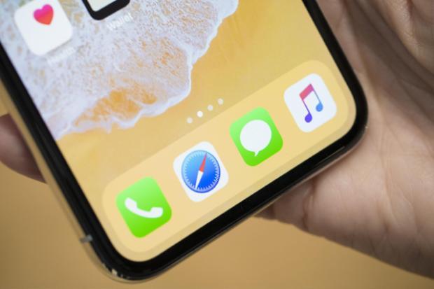 iPhone X sẽ chính thức lên kệ vào ngày 3 tháng 11 tới và được dự đoán sẽ khan hàng trong một khoảng thời gian tương đối sau khi lên kệ.