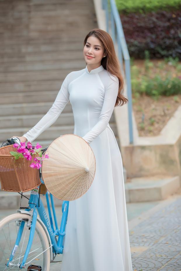 Việc xây dựng hình ảnh năng động, tự tin, có trí tuệ và có sức ảnh hưởng trong cộng đồng đã mang đến cho cô cơ hội được góp phần quảng bá hình ảnh Đà Nẵng nói riêng và Việt Nam nói chung đến bạn bè quốc tế.