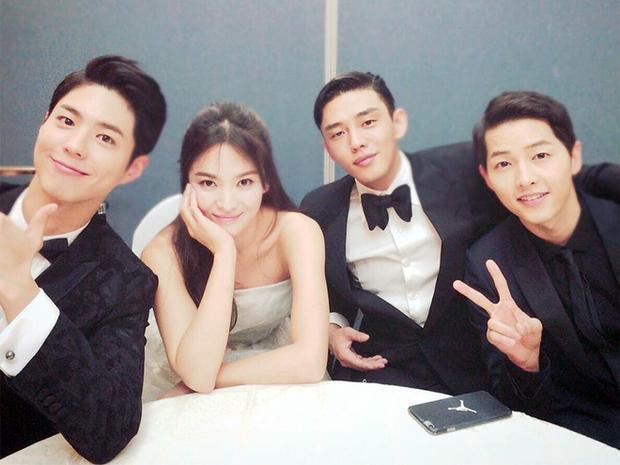 Đừng ai trách anh vì luôn xen vào giữa Song Joong Ki và Song Hye Kyo.