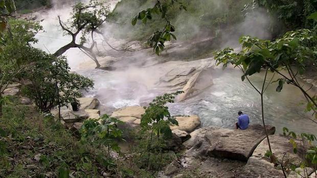 Giải mã bí ẩn con sông tử thần nơi sinh vật nào rơi xuống cũng bị luộc chín