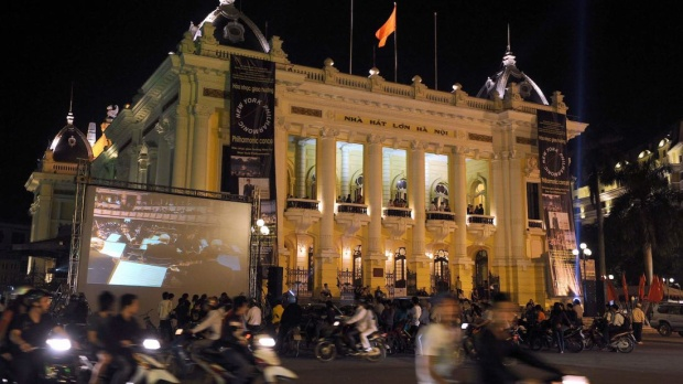 Nhà hát opera Hà Nội, được người Pháp xây dựng vào năm 1901-1911