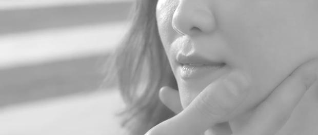 """Và nụ hôn say đắm đã khiến tất cả """"khóc ròng""""."""