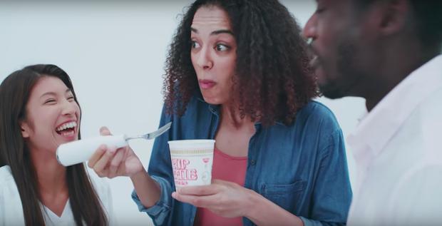 Kỳ thú chiếc nĩa ăn mỳ được lấy ý tưởng từ những bồn vệ sinh thông minh ở Nhật.