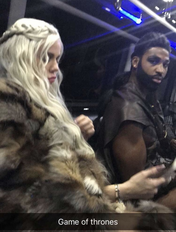 Tristan Thompson và người tình Khloe Kardashian lại hóa thân vào phim Game of Thrones