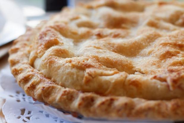 Stonska torta, Croatia: Đây là một loại bánh bơ với nhân pasta có hương vị hòa trộn giữa quế, hạnh nhân và chanh.