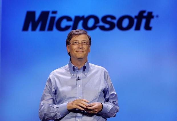Theo Bloomberg, trong năm 2016, Bill Gates kiếm được 3,4 tỷ USD, trung bình 9,3 triệu USD mỗi ngày.Ông cũng là Chủ tịch của Quỹ Bill & Melinda Gates, một quỹ từ thiện tư nhân lớn nhất thế giới.Ông thường tận hưởng các kỳ nghỉ ngắn ở Iceland hay các kỳ nghỉ cùng gia đình trên du thuyền ở Địa Trung Hải.Với Bill Gates, tiền không phải là đích đến. Thay vào đó, ông muốn thiết lập và xây dựng các nguồn lực giúp đỡ người nghèo trên thế giới.