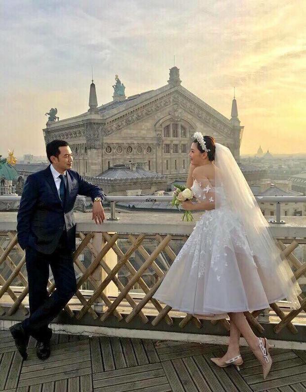 Ảnh cưới của Ngọc Duyên và chồng đại gia 42 tuổi.