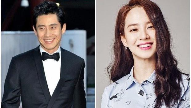 Năm 2017, Song Ji Hyo sánh vai cùngShin Ha Kyun trong bộ phim điện ảnh Wind Wind Wind.