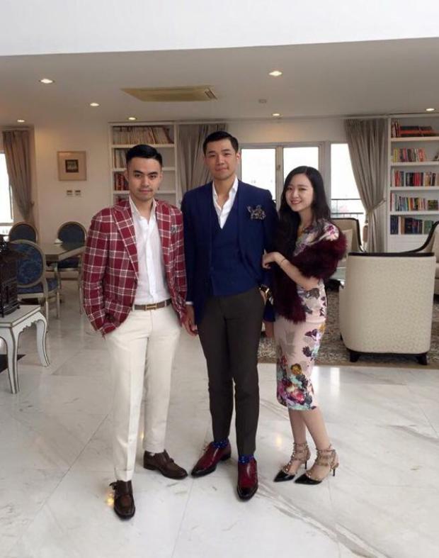 Anh Sa là con riêng của Hoa hậu đền Hùng Giáng My và chủ tịch tập đoàn Tân Hoàng Minh.