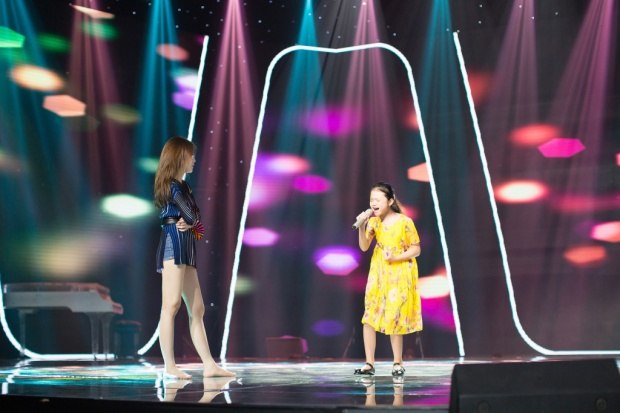 Hương Tràm bỏ show diễn, tập trung tối đa cho học trò The Voice Kids