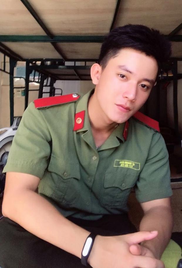 Truy tìm chàng công an Việt đẹp trai lạnh lùng như Cố Hải khiến bao cô gái thích mê