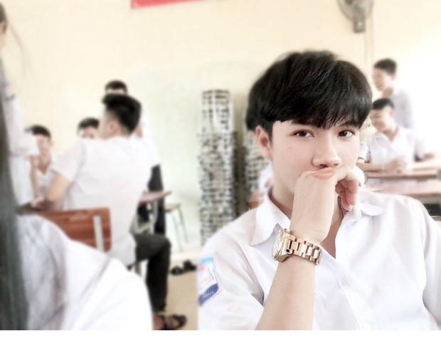 """Đây là chân dung của """"bạn thân"""" tên Kiên Nguyễn, do cô bạn Thu Thảo share. Đôi mắt rất biết cách """"giết người"""" đúng không?"""