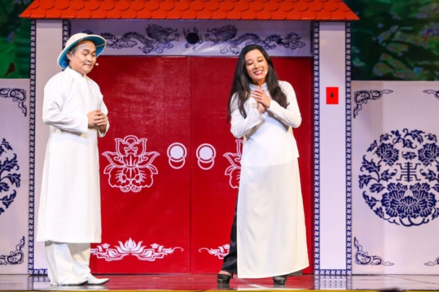 Xuân Hinh và Thanh Thanh Hiền trong liveshow Dương Ngọc Thái.
