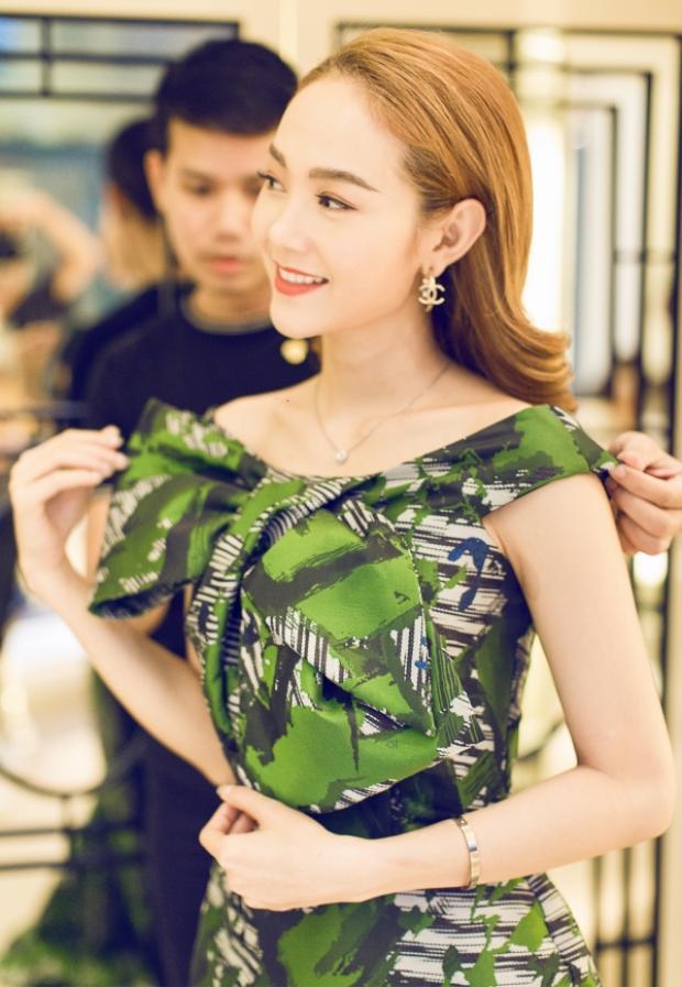 Hồ Ngọc Hà dẫn đầu top gương mặt đẹp của tuần, Châu Bùi tự dìm vì lỗi trang điểm