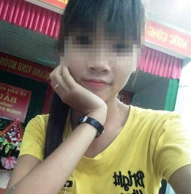 Hình ảnh nữ công nhân tử vong bên vệ đường ở Thanh Hóa.