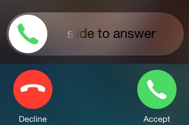 Không phải ngẫu nhiên mà iPhone có hai cách nghe điện thoại khác nhau cho người dùng.
