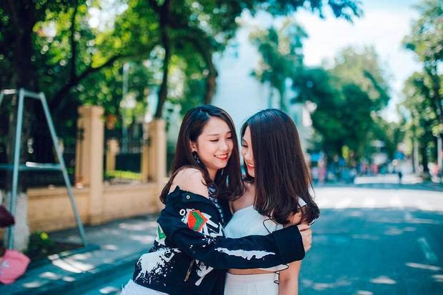 """Những chị em song sinh """"gây sốt"""" cộng đồng mạng Việt: Nhan sắc và học vấn phải cả đôi mới chịu!"""