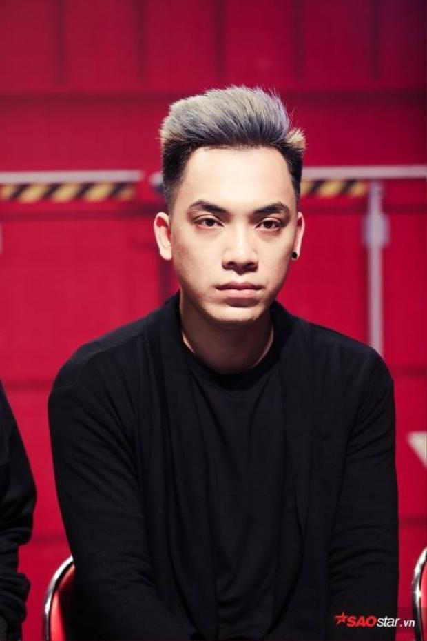 """DJ Minh Anh - Người """"khoác chiếc áo mới"""" cho bản hit Nơi này có anh."""
