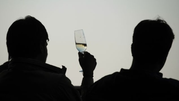 Rượu vang, rượu của thời đại.