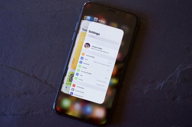 Những chiếc iPhone X lên kệ ngày 8 tháng 12 tới sẽ có mã máy VN/A.
