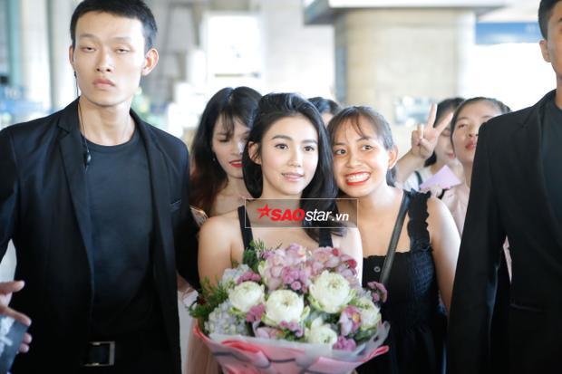 Cô rất thân thiện với fan Việt.