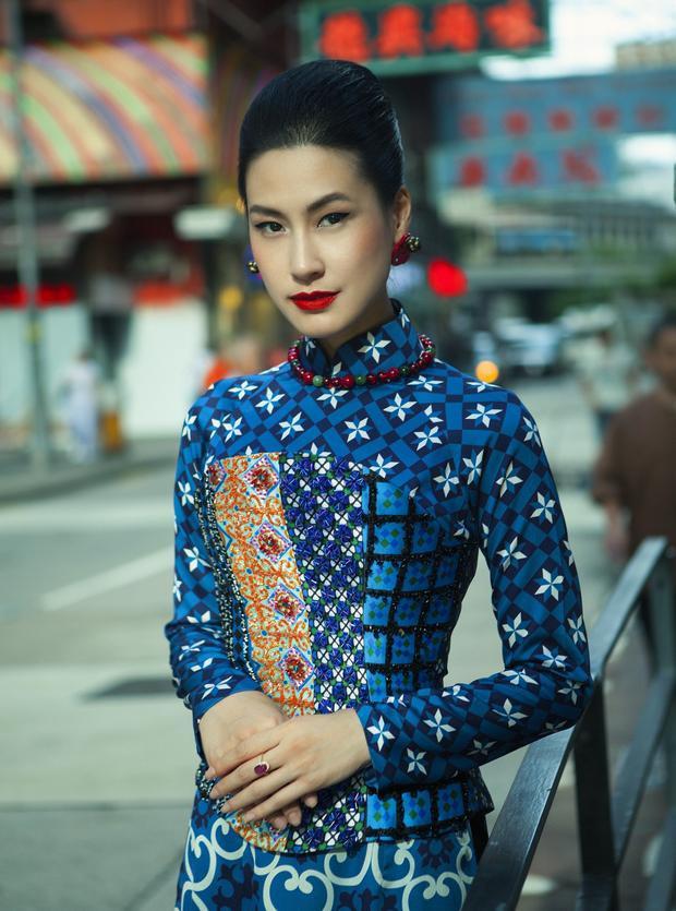 """BST """"Cô Ba Sài Gòn"""" chính là làn gió thú vị thổi hồn vào hình ảnh chiếc áo dài - quốc phục của dân tộc Việt Nam một chút hiện đại nhưng vẫn vẹn nguyên lối cổ điển đặc trưng của thập niên 60."""
