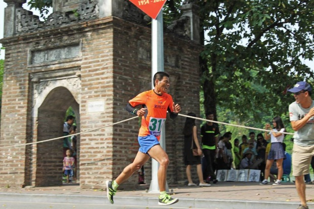 Anh Kiên trong một cuộc thi chạy