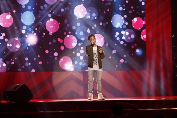 Ca sĩ khách mời Bùi Anh Tuấn gửi đến khán giả đêm chung kết 3 tiết mục: Hẹn một mai, nơi tình yêu bắt đầu, chia tay.