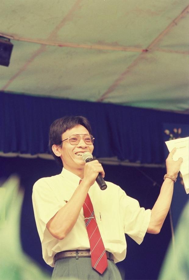 Nhà báo Lại Văn Sâm thời còn dẫn SV 96.