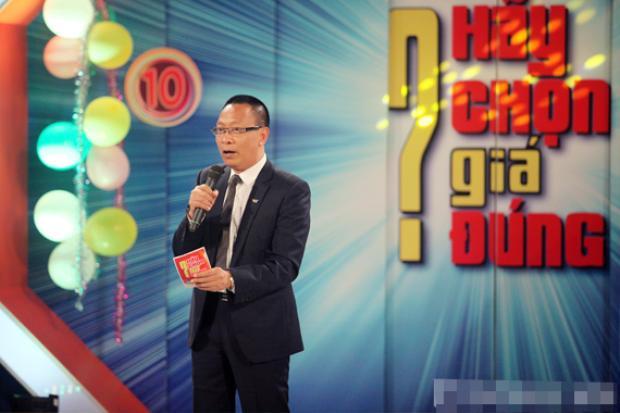 Khán giả sẽ nhớ mãi MC Lại Văn Sâm bởi hàng loạt những chương trình ăn khách này