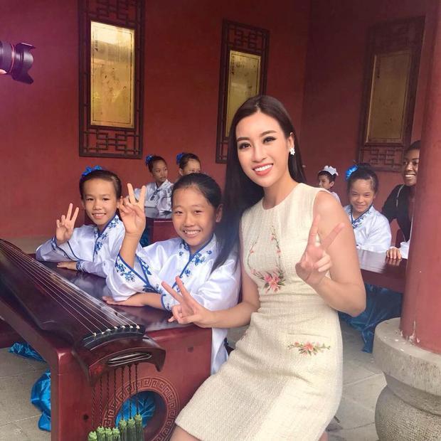 Một số hình ảnh của Đỗ Mỹ Linh tại Miss World 2017.
