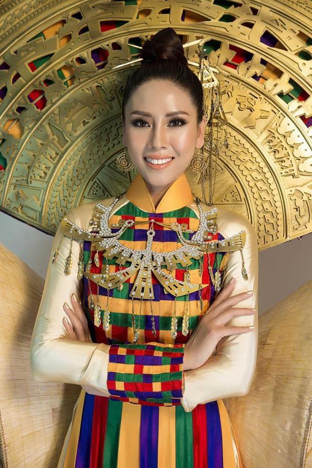 Fan hoang mang khi hot girl hài nhảm Lele Pons làm giám khảo Miss Universe 2017