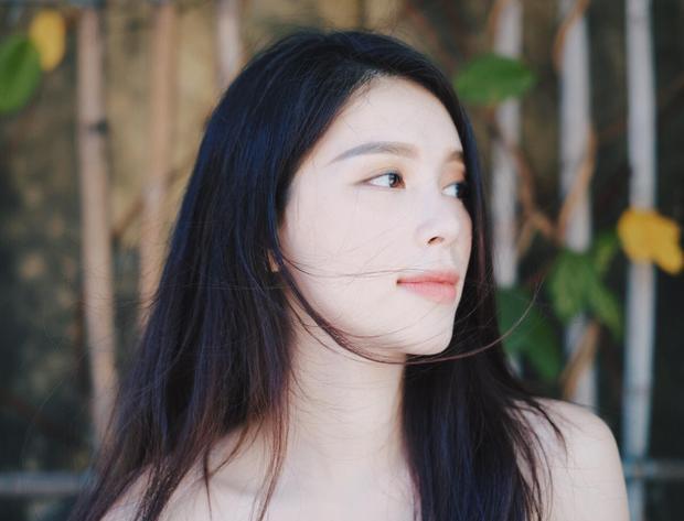 Một số hình ảnh ngoài đời của mỹ nhân 9X Ngô Phương Linh.
