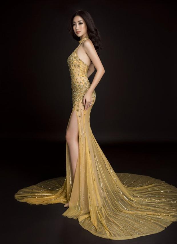 Trước khi lên đường sang Trung Quốc tham gia cuộc thi Hoa hậu Thế giới, Mỹ Linh đã dành nhiều thời gian luyện tập vóc dáng. Vì thế, cô khá tự tin khi khoác lên mình bộ trang phục lộng lẫy.