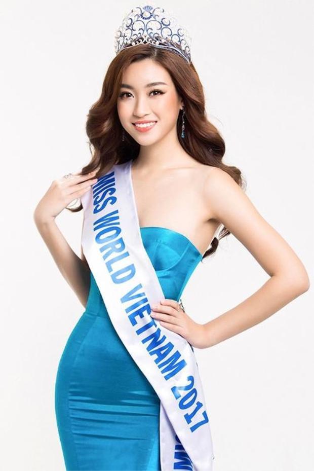 Với phần trả lời tiếng Anh xuất sắc, Đỗ Mỹ Linh trở thành người thắng cuộc của nhóm 18 ở thử thách phụ Head to head.
