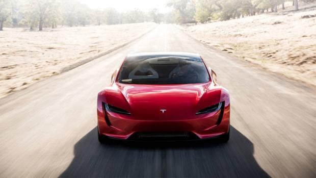 Và những chiếc Aston Martin Valkyrie và Mercedes-AMG Project One sắp ra mắt với giá 3 triệu USD thậm chí còn có tốc độ chậm hơn.
