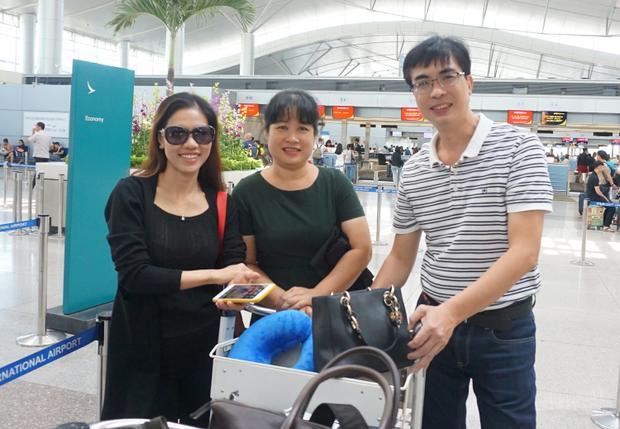 Bố mẹ Hoa hậu Đỗ Mỹ Linh lên đường sang Trung Quốc để cổ vũ tinh thần cho con gái.