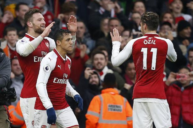 Trung vệShkodran Mustafi và tiền đạoAlexis Sanchez là hai người ghi bàn. Tiền vệ Ozil đã có trận đấu xuất sắc với pha kiến tạo cho đồng hương Mustafi mở tỷ số trận đấu.