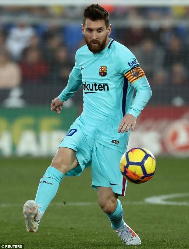 Mặc dù không ghi bàn, Messi có đóng góp lớn vào trận thắng của đội nhà, đặc biệt là trong bàn thắng thứ 2 và 3. Hiện tại, Barca gần như đã đặt một tay vào cúp vô địch La Liga khi khoảng cách với Real hiện tại đã tăng lên đến 10 điểm.